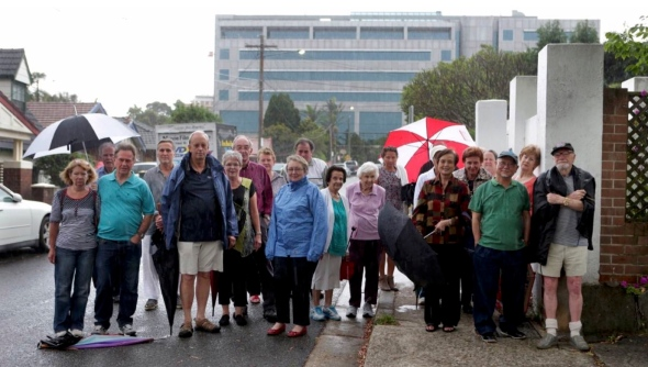 Overshadowing, loss of privacy, congestion argued against Woniora Road development | St George & Sut